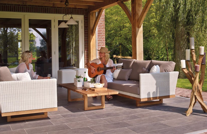 outdoor makeover projects to increase your home value