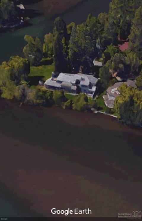 bad real estate photos google earth screenshot