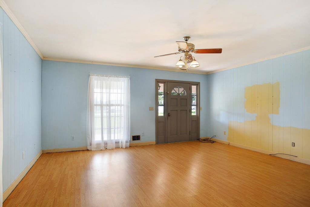really bad real estate photos unfinished paint job