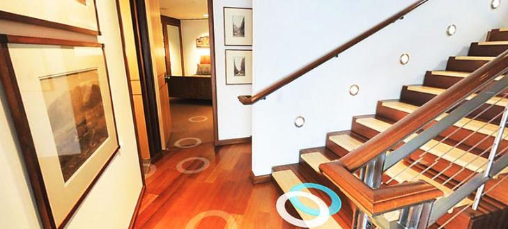 virtual reality home rental showing